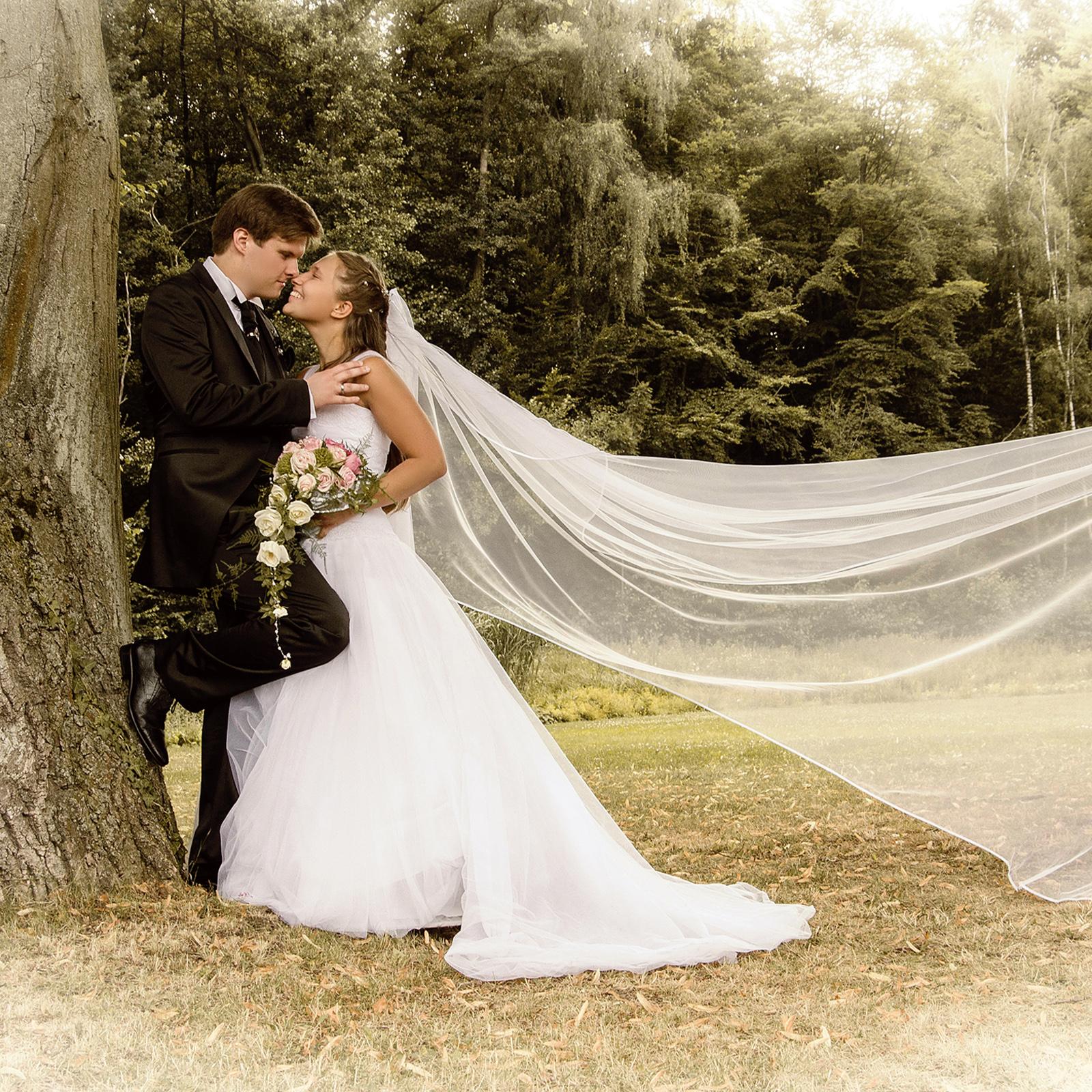 http://www.fotoatelier-gabriele.de/wp-content/uploads/2017/04/Hochzeit-kleiner.jpg